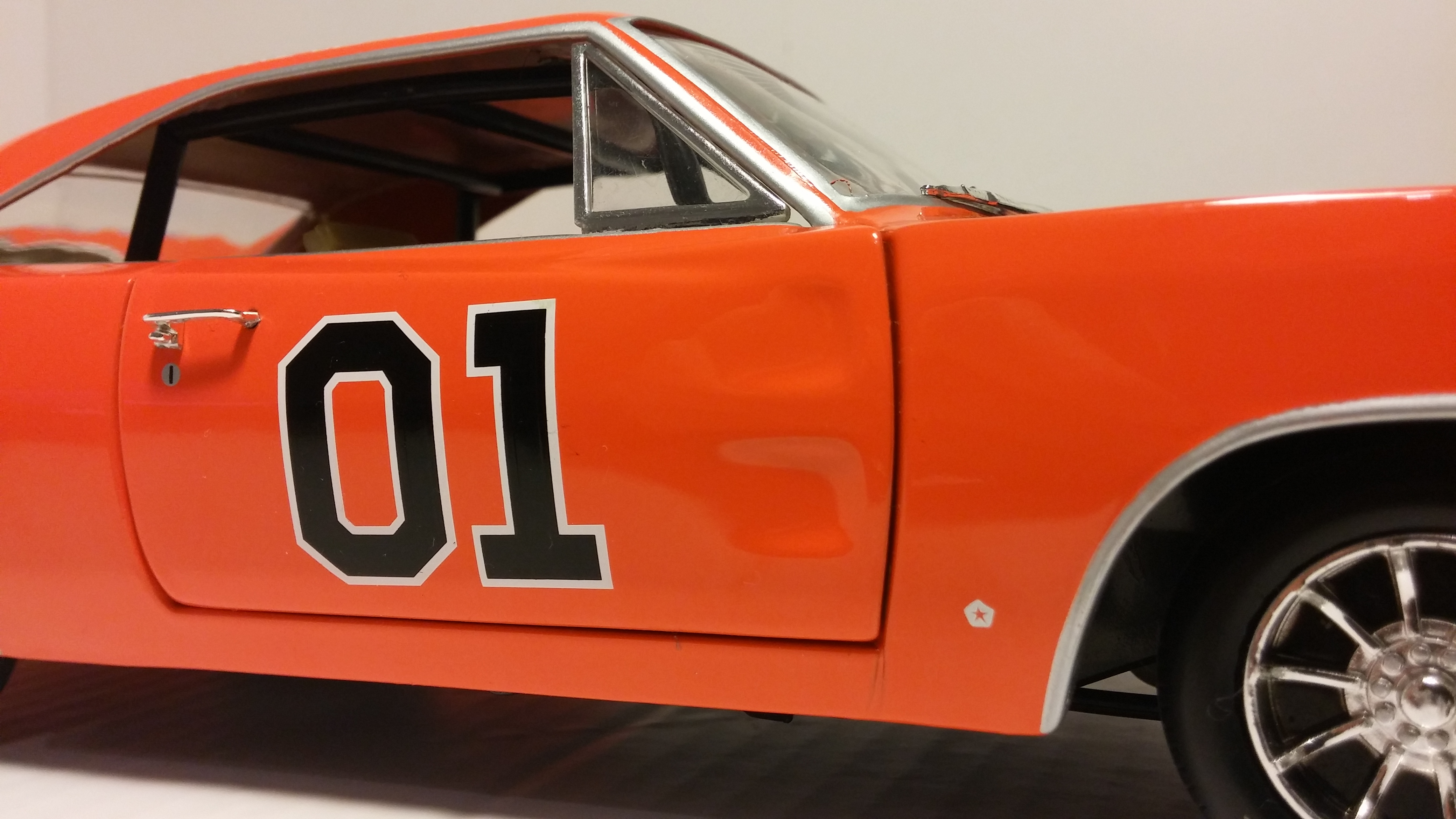 1969 dodge charger r t general lee 1 18 ertl model car for Is dodge general motors
