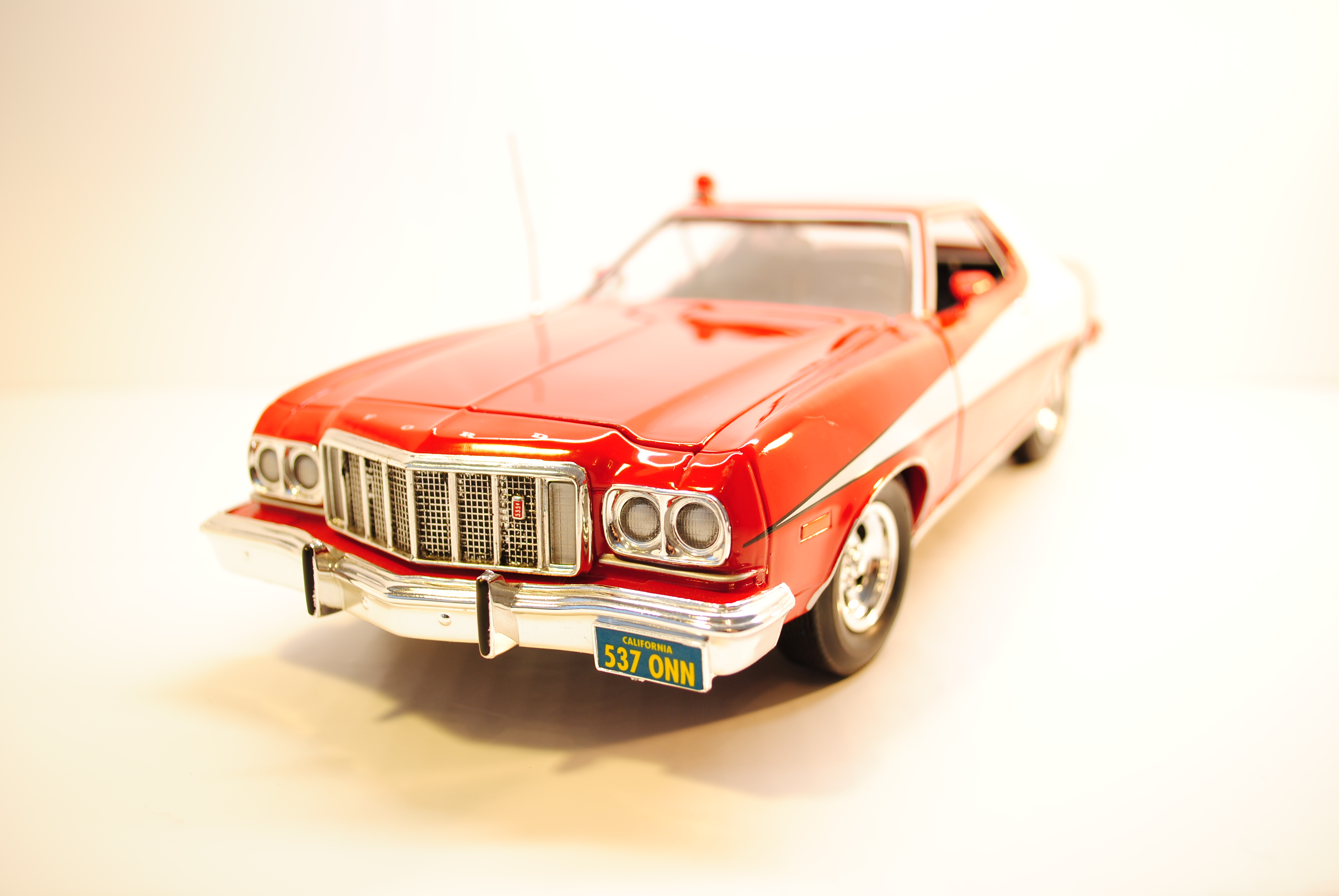1976 ford gran torino starsky hutch 1 18 ertl model car motorscotti. Black Bedroom Furniture Sets. Home Design Ideas